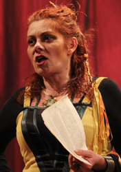 Chanteuse, comédienne, metteuse en scène hongroise