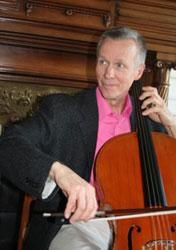 Musicien américain, violoncelliste.